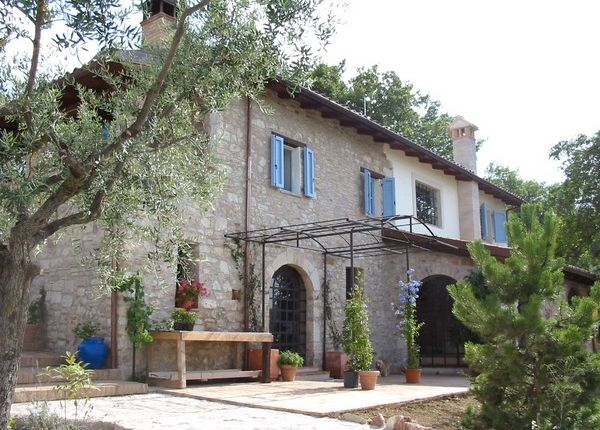 4 bed farmhouse for sale in Giano Dell'umbria, Province Of Perugia, Italy