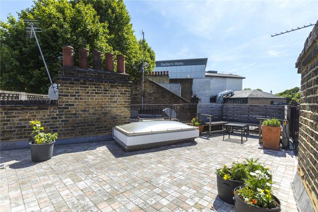 Thumbnail Maisonette for sale in St John Street, London