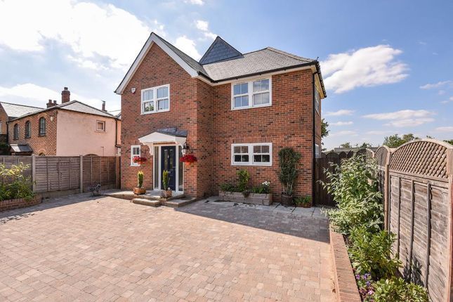 Thumbnail Detached house to rent in North Street, Winkfield