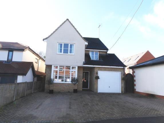 Thumbnail Detached house for sale in Highland Grove, Billericay