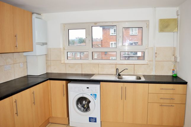 Thumbnail Flat to rent in Abbey Road, Stratford London