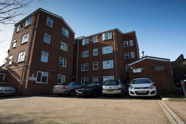 Thumbnail 1 bed flat to rent in Flat 7 St Ninians Court, Villa Road, Luton