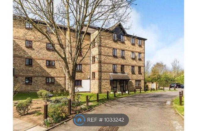2 bed flat to rent in Chalk Stone Close, Welling DA16