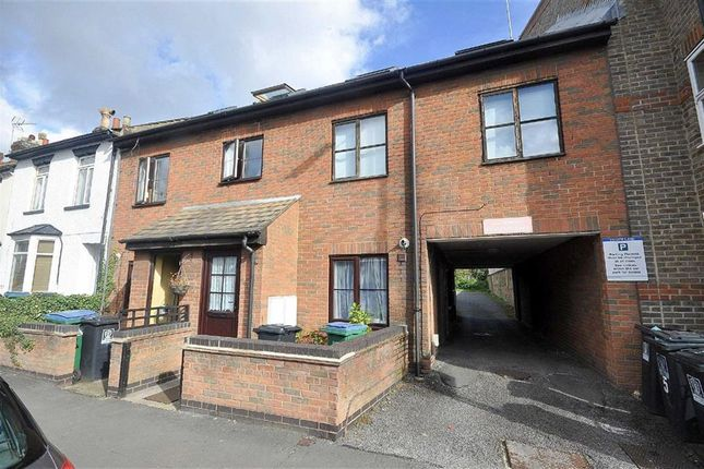 1 bed flat for sale in Queens Road, Watford
