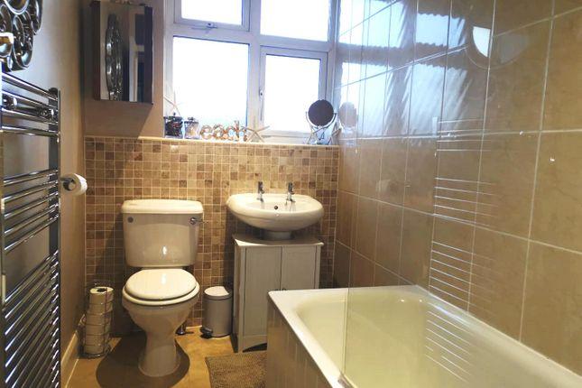 Bathroom: of Tudor Drive, Morden SM4