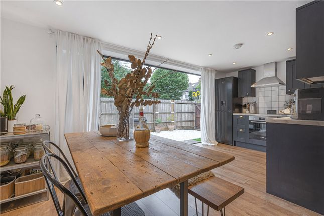 Maisonette for sale in Oakfield Road, Southgate, London