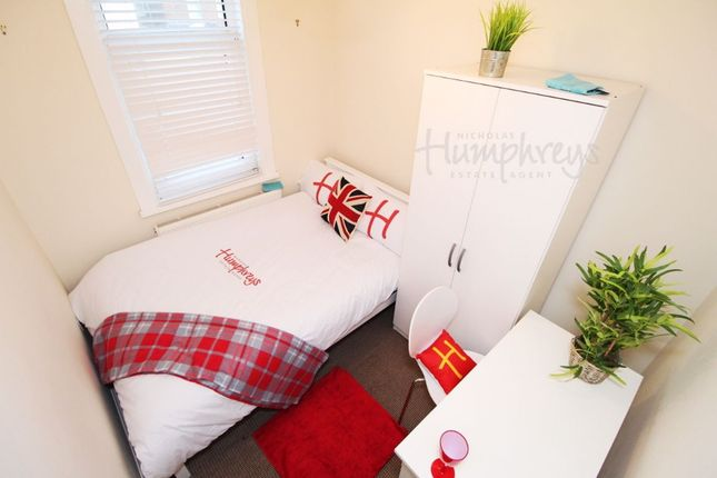 Thumbnail Room to rent in Eastney Road, Southsea