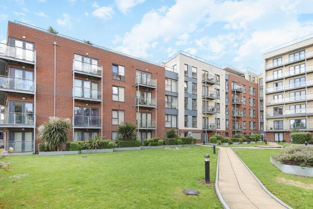 Thumbnail Flat to rent in Mosaic House, Hemel Hempstead