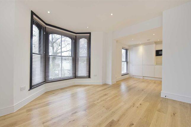 Thumbnail Property to rent in Findon Road, Flat 2, Shepherd's Bush