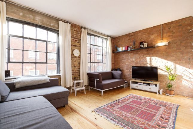 2 bed flat for sale in Casson Street, London