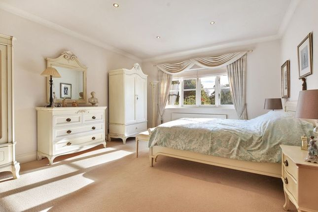 Master Bedroom of Roundhill, Kirby Muxloe, Leicester LE9