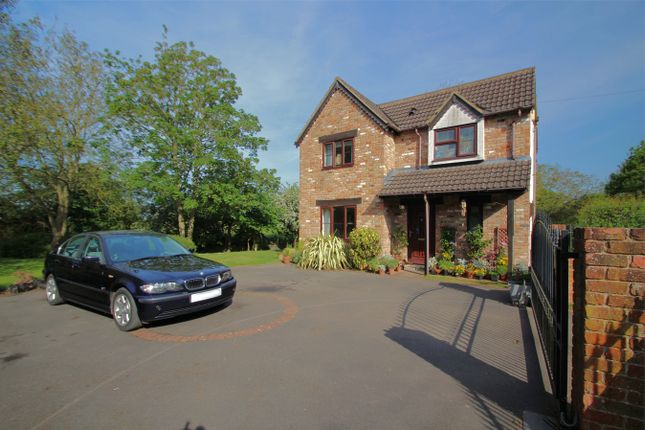 Thumbnail Cottage for sale in Wick Road, Lower Wick, Gloucestershire