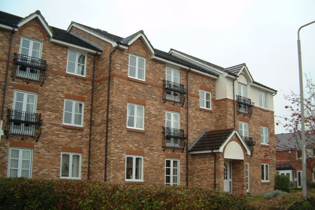 Thumbnail Flat to rent in Swinnow Close, Bramley, Leeds, West Yorkshire