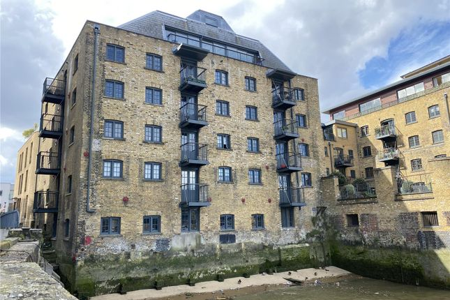 Thumbnail Office to let in Tempus Wharf, 33A Bermondsey Wall West, London, Greater London