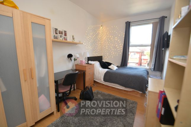 Thumbnail Terraced house to rent in Richmond Avenue, Hyde Park, Leeds