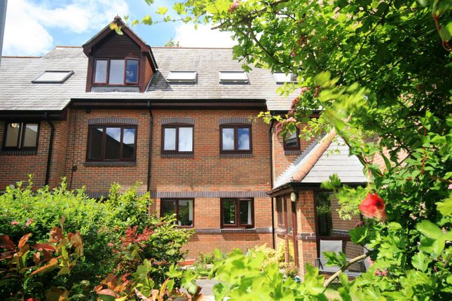 Thumbnail Flat for sale in Vallis Close, Poole