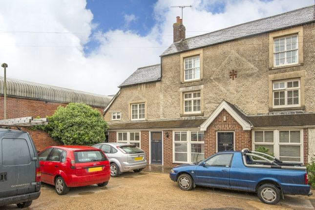 Thumbnail Semi-detached house to rent in Castle Street, Banbury