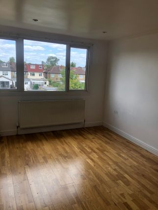 Thumbnail Flat to rent in Leamington Crescent, South Harrow