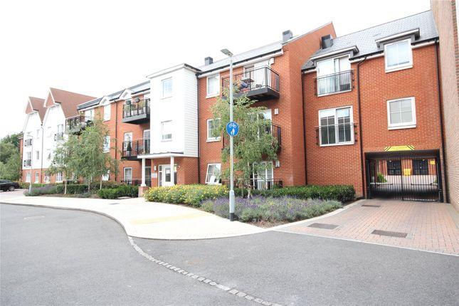 Thumbnail Flat to rent in Mere Road, Dunton Green