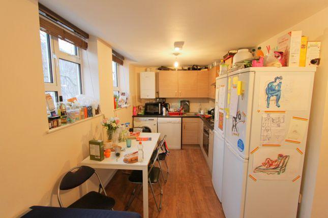 Thumbnail Flat to rent in Bond Street, Bristol