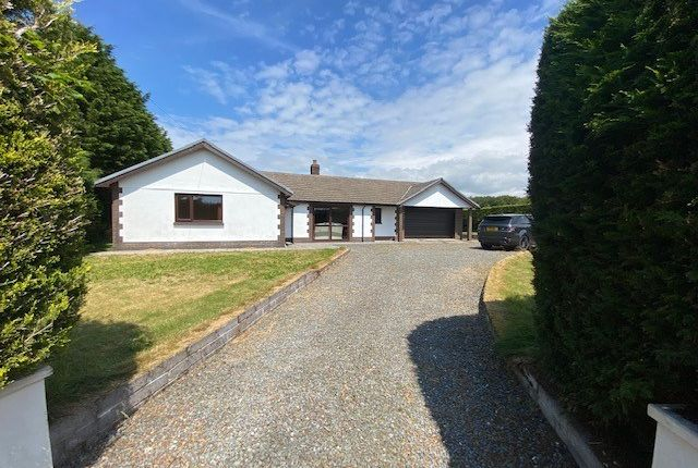 Thumbnail Bungalow for sale in Bethania, Llanon
