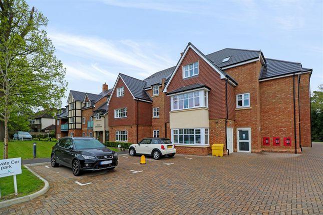 Thumbnail Flat for sale in Addington Road, Sanderstead, South Croydon