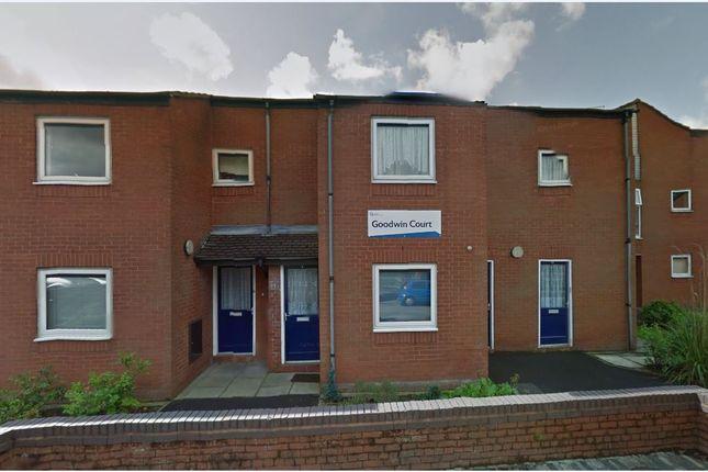 Thumbnail Studio to rent in Old Lane, Chadderton