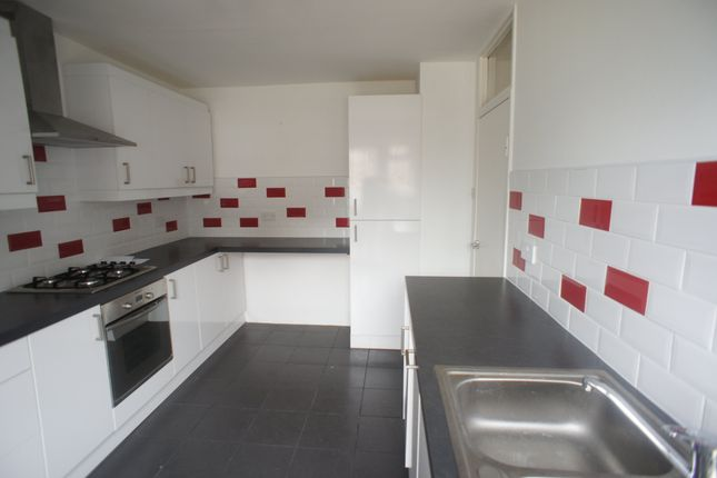 Thumbnail Flat to rent in 7, Priory Close, South Woodford