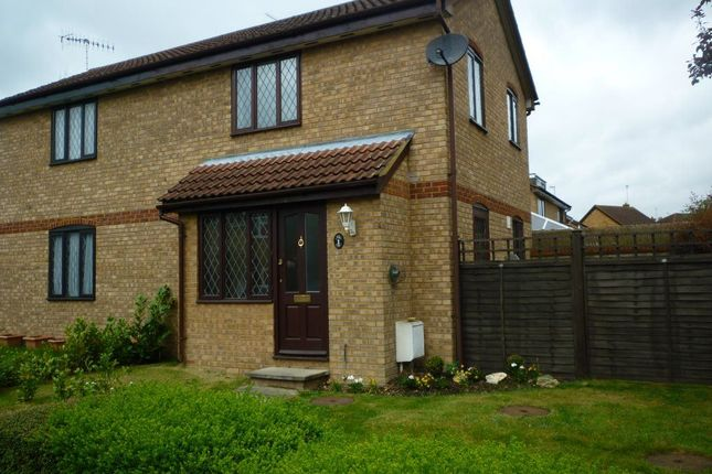 Thumbnail Property to rent in Blenheim Road, Abbots Langley, Herts