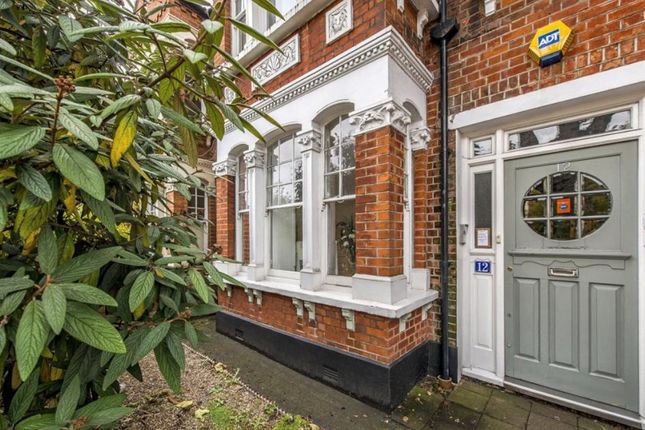 2 bed flat for sale in Cavendish Road, Clapham