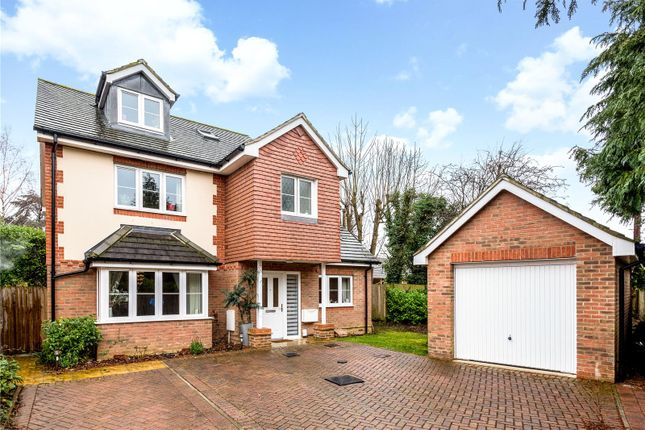 4 bed detached house for sale in Hawthorne Gardens, Caterham, Surrey