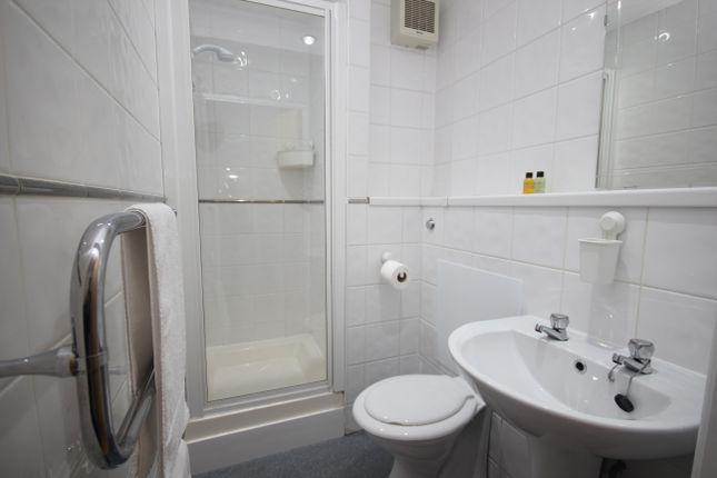Bathroom of Central Park Avenue, Mutley, Plymouth PL4