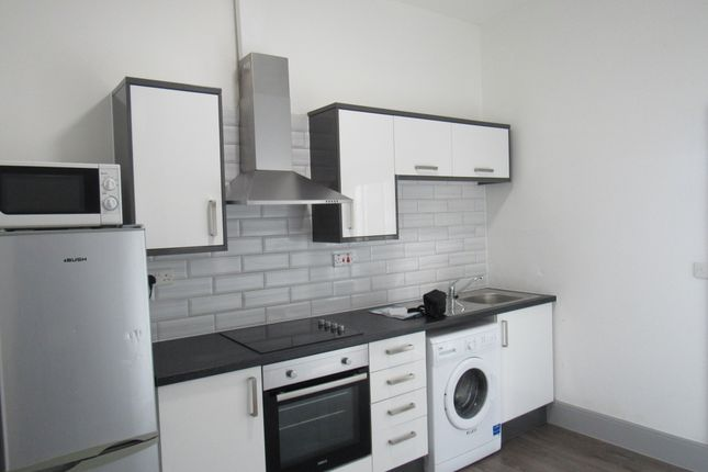 Flat to rent in Union Street, Preston