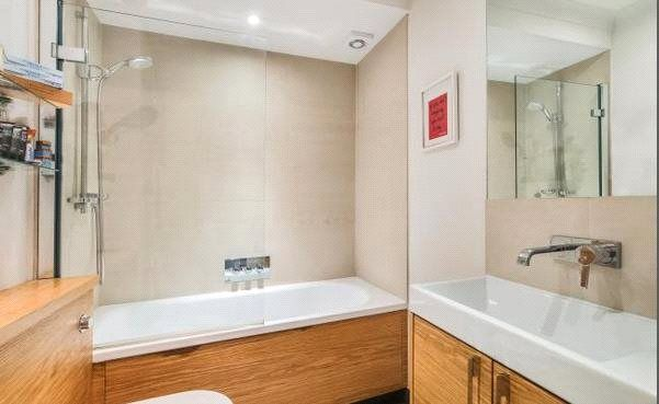Bathroom of Redcliffe Gardens, London SW10
