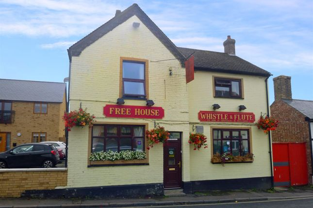 Thumbnail Pub/bar for sale in Mill Lane, Biggleswade