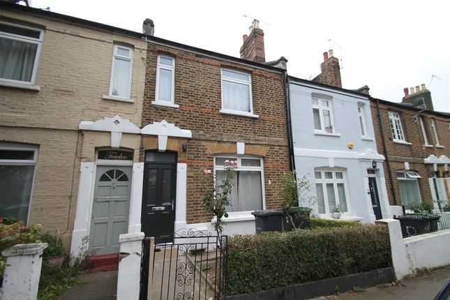 3 bed terraced house to rent in Caversham Road, London N15