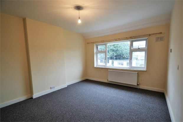 Terraced house to rent in Ballards Road, London