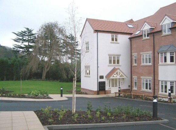 1 bed flat to rent in Hanbury House, Oaklands Court, Battenhall, Worcester