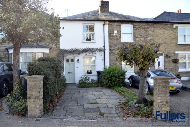 Thumbnail Cottage to rent in Wades Hill, Winchmore Hill