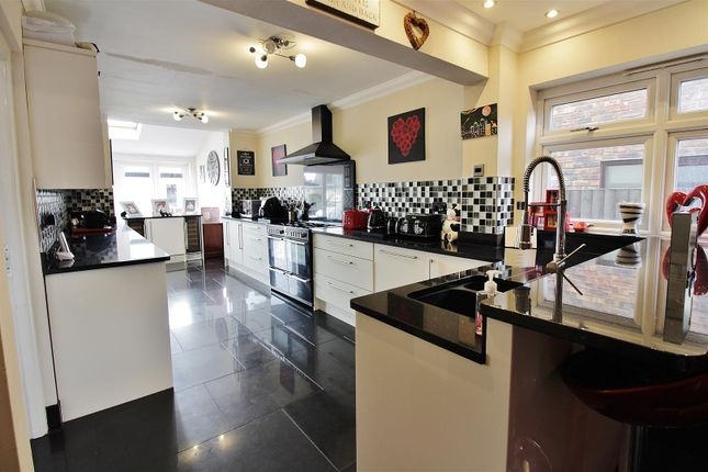 Thumbnail Detached house for sale in Villa Road, Benfleet