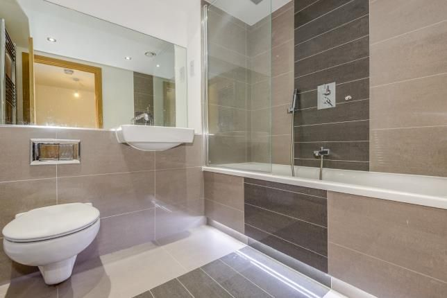 Bathroom of 155 Southchurch Avenue, Southend-On-Sea, Essex SS1