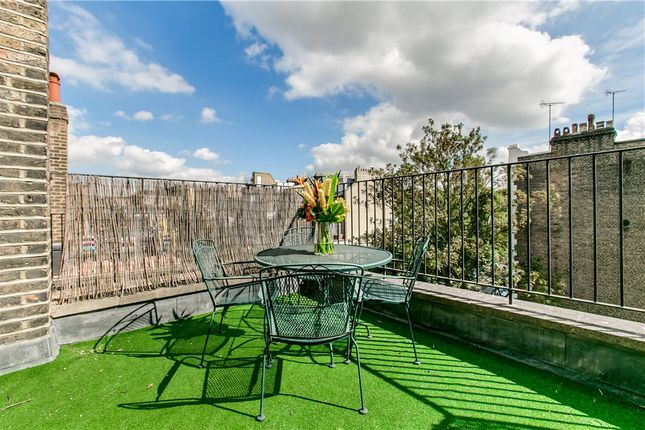 3 bed flat for sale in Marloes Road, Kensington, London