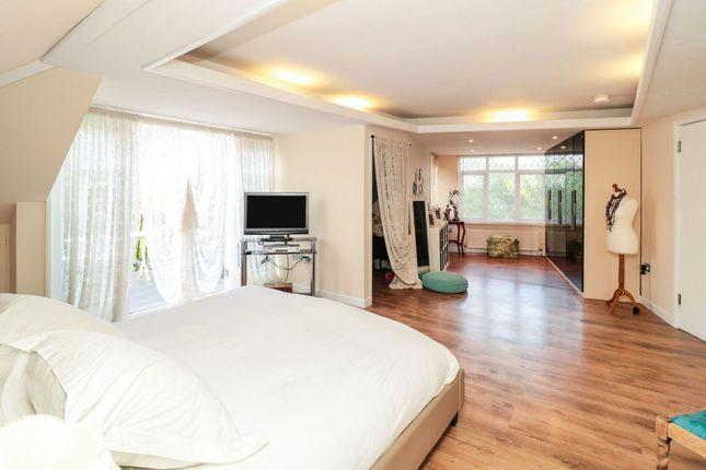 Master Bedroom of Moreland Way, London E4