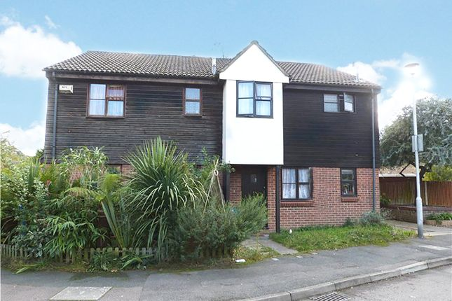 Thumbnail Terraced house for sale in Hythe Close, Forest Park, Bracknell, Berkshire