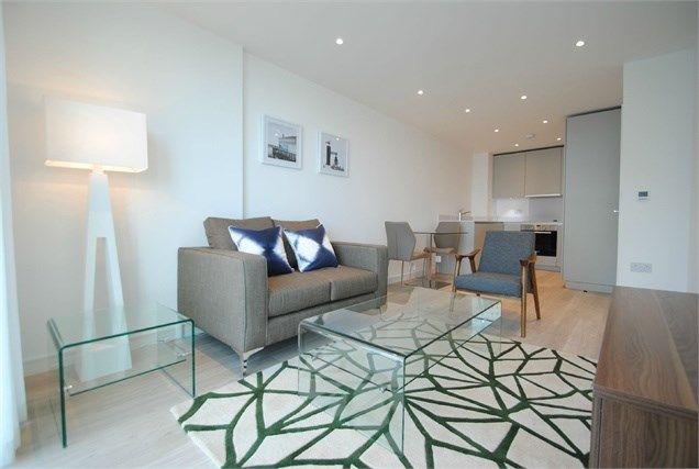 Thumbnail Flat for sale in Pinnacle Apartments, Saffron Cental Square, Croydon