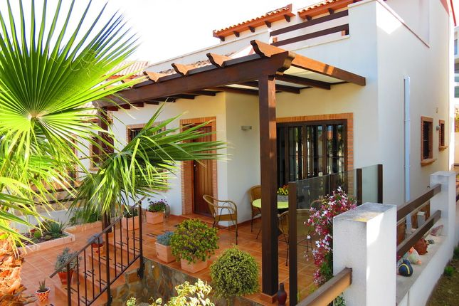 Villa for sale in Calle Laguna De Prado, Cuidad Quesada, Rojales, Alicante, Valencia, Spain