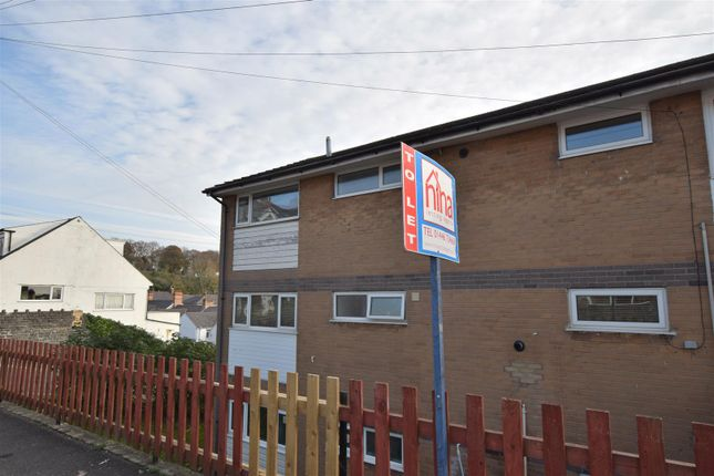 Thumbnail Flat to rent in Davnic Close, Pontypridd Street, Barry