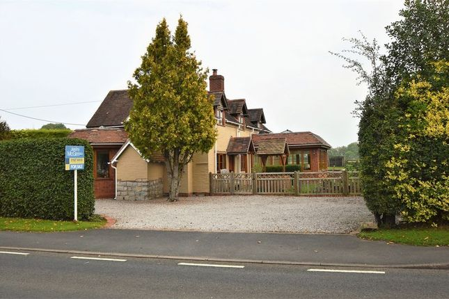 Thumbnail Detached house for sale in Evesham Road, Cookhill, Alcester