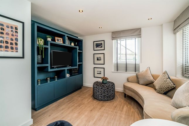 Thumbnail Flat for sale in Bellfield Road, Downley, High Wycombe