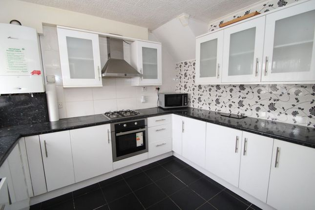 Thumbnail Property to rent in Swanbourne Drive, Hornchurch